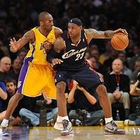 NBA詹姆斯精彩瞬间图片