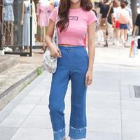 韩国街拍林荫路的潮人时尚