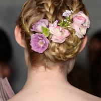 五种浪漫的新娘发型推荐!