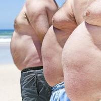 高晓松秀半裸床照胖子减肥两个方法