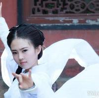 武汉清纯美少女cos小龙女神似刘亦菲惊呆网友