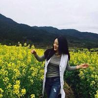 杨钰莹乐享生活晒旅行照变身旅游达人