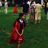 马伊�P晒大女儿幼儿园毕业照侧脸酷似文章