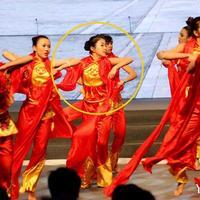 杨子女儿昔日演出照曝光或将进军娱乐圈(图)