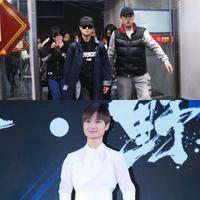 【图】李宇春帅气现身机场排场大一袭白裙出席活动身材大好